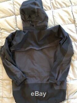 Arc-Teryx GORE-TEX XCR Waterproof Hooded Mountain Jacket Navy Blue Mens M
