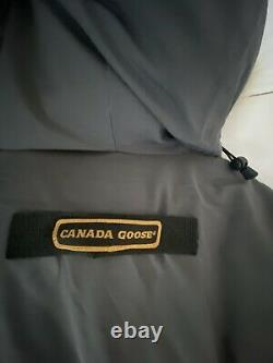 Mens Canada Goose Expedition jacket In Grey, Size Large. 100% Genuine Winter Coat