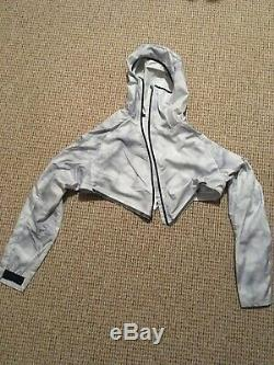 Nike running jacket / gilet 2 piece medium/ mens white/grey BNWT