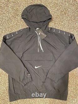 Nouveau Nike Nsw Woven Swoosh Logo Pullover Hommes Cv9167-010 Noir/blanc Multi Taille