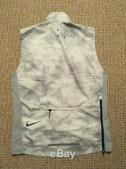 Veste De Course Nike / Gilet 2 Pièce Moyen / Mens Bnwt Blanc / Gris
